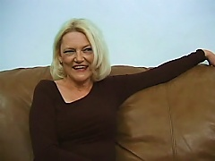 Mature Woman Gets Threesomed In Homemade Video