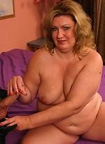 free bbw pics Blonde BBW Deedra hooked up...