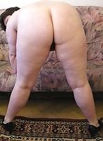 free bbw pics Old chubby grandma shows...