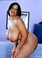 free bbw pics Big titted coed uses her...