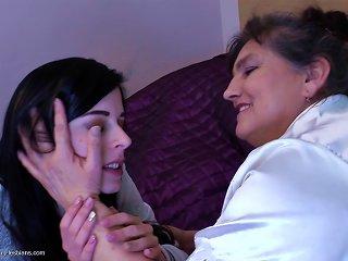 Mature Lesbian Uses Her Magic Tongue To Make A Teen Hottie Cum