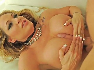 Tyler Faith In Golden Globes Big Titty Milfs 3