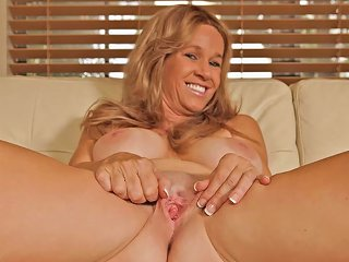 Totally Tabitha In Pussy Pearl Scene