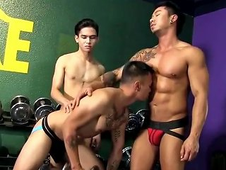 Threesome In The Gym Free Gay Porn Videos Gay Sex Movies Mobile Gay Porn