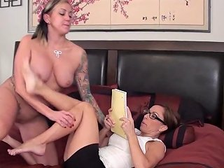 Secretary Foot Worship Day Dreaming Free Porn 1a Xhamster