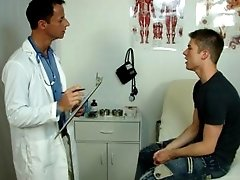 Doctor gives patient a anal exam with his tongue