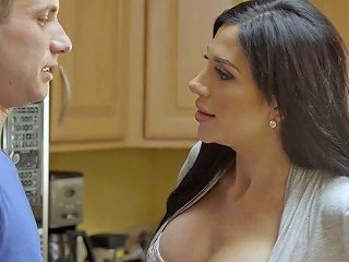 Alluring Hot Jaclyn Taylor Is Fond Of Facesitting During Mff Threesome