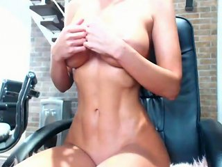 Incredibly Hot Busty Fitness Camgirl