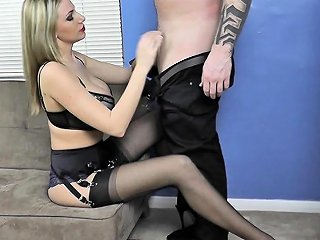 Glamour Blonde Lingerie Tease In Seamed Stockings Nuvid
