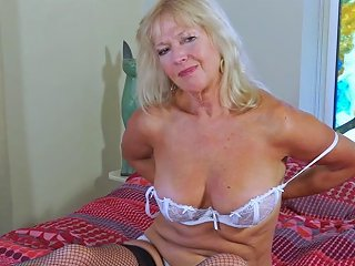 Europe Mature Milf Blonde Playing Alone With Dildo Porn Videos