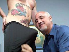 Mature gay Jake services a cute hunk Brian Banks orally