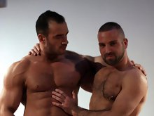 Two muscle bears Ted Colunga and Andro de Luca enjoy awesome fucking after a massage