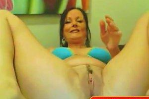 Sexy Milf Plays With Dildo On Webcam