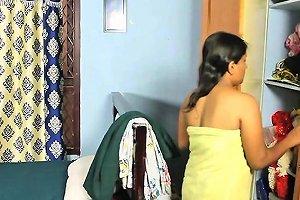 Mansha Village Aunty After Bathing Openly Dre