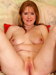 Red housewife playing with herself