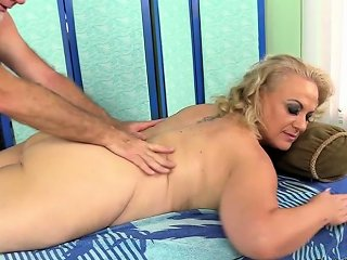 Older Blonde Summer Has Her Body And Genitals Massaged Nuvid