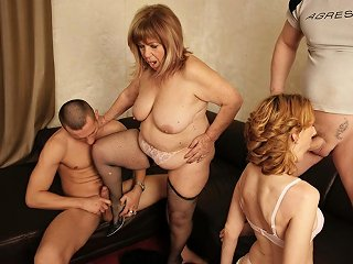Granny And Mother Get Anal Sex And Pissing