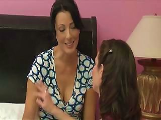 Milf Lesbians Veronica Avluv And Zoe Holloway Are Loving Each Other