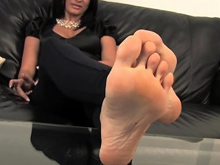 Foot Fetish Of Hot Nympho