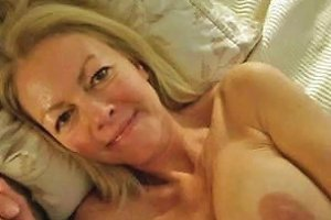 Mom's Horny Friend Gives Hot Blowjob In Amateur Sex Tape