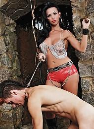 Mistress Carla puts her slav...