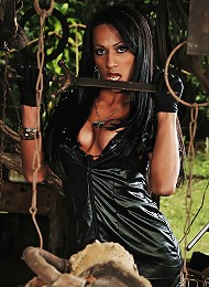 Ts domme Nicolly shows off her evil side