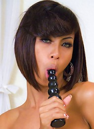 Chain and blindfold Ladyboy