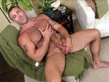 Trace Michaels jerks off and cums!