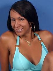 Gorgeous dark-skinned shemale with cute wennie